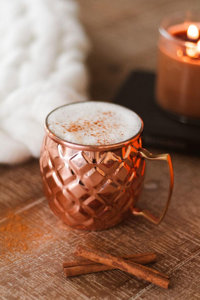 Recette coco latté à la citrouille épicée - vegan & paléo